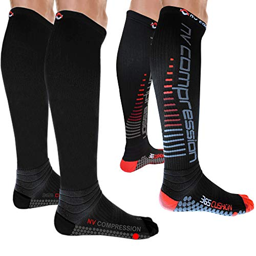 NV Compression 365 Cushion Calcetines Compresión Negros - Cushioned Compression Socks - Black - For Sports Recovery, Work, Flight - Running, Cycling, Soccer, Rugby, Gym, Golf (Negro/Rojo Rayas, Med)