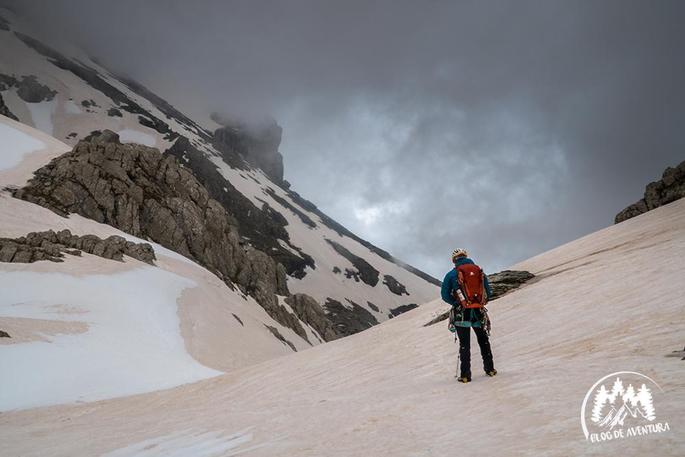 Ascensión al Pico Bisaurín, Pirineos.